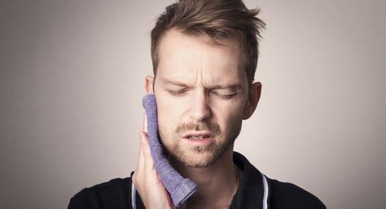 Bild: Bierbaum & Kollegen behandeln Kiefergelenkschmerzen